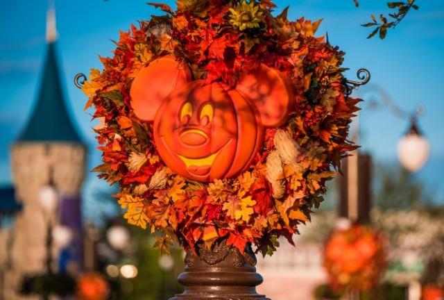 halloween-pumpkins-golden-light-mk-wdw-2016-edit-003
