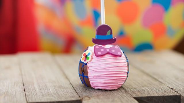 Pixar-Fest_Pixar-Pier_Candy-Apple_Bing-Bong-Apple_061318_02005DN-21-1